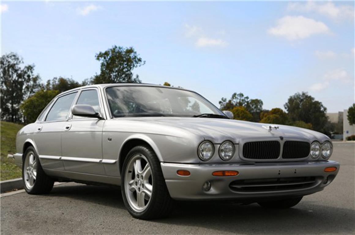 2003 jaguar xj8 sport sedan by classic showcase. Black Bedroom Furniture Sets. Home Design Ideas