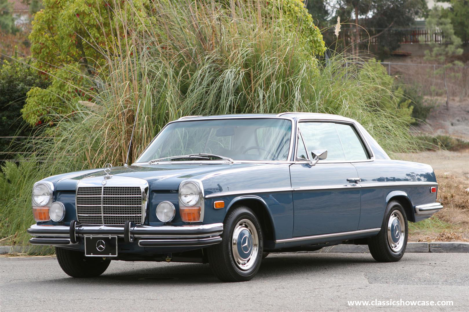 1972 mercedes benz 250c coupe by classic showcase for Mercedes benz 1972