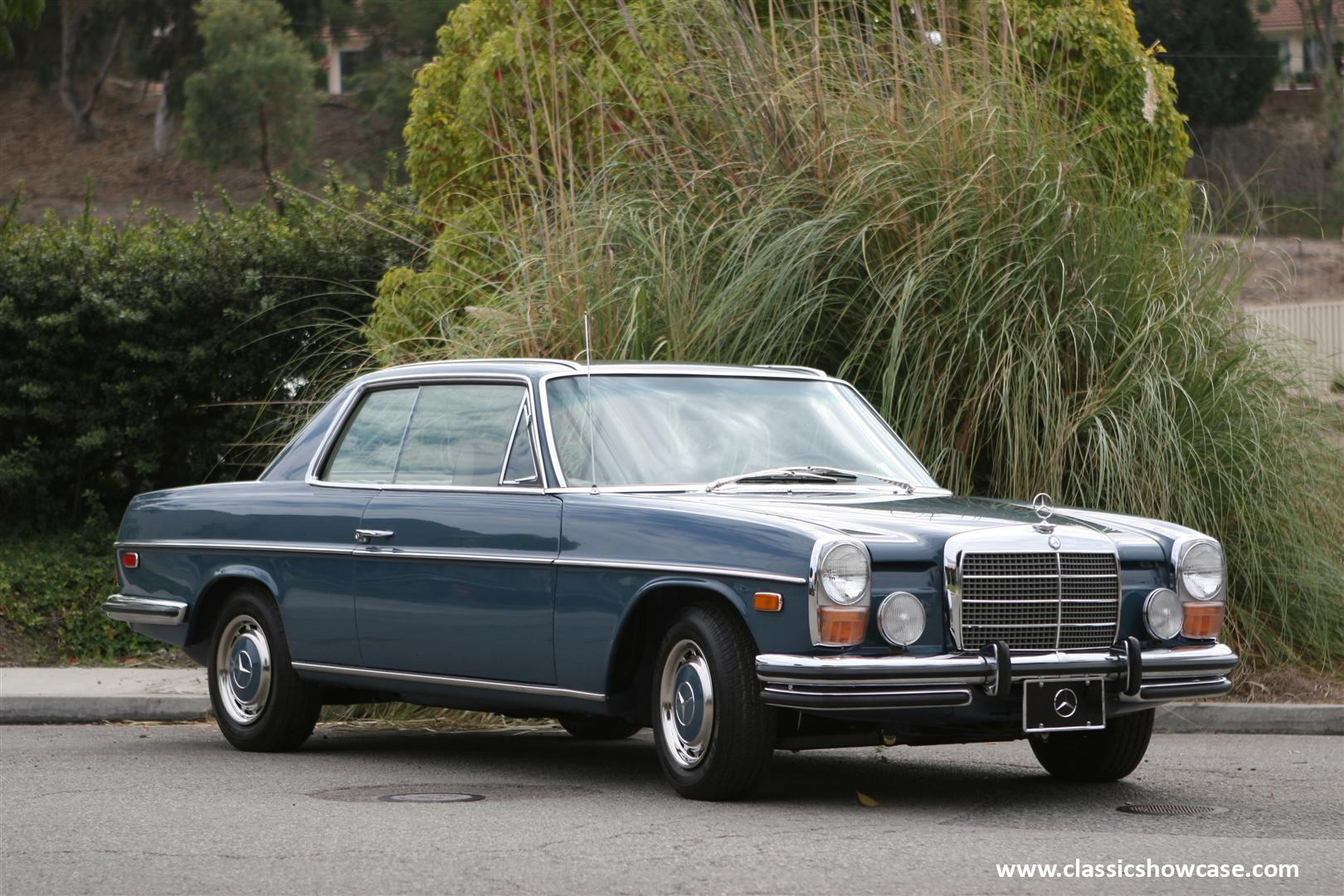 1972 mercedes benz 250c coupe by classic showcase for Mercedes benz classics for sale